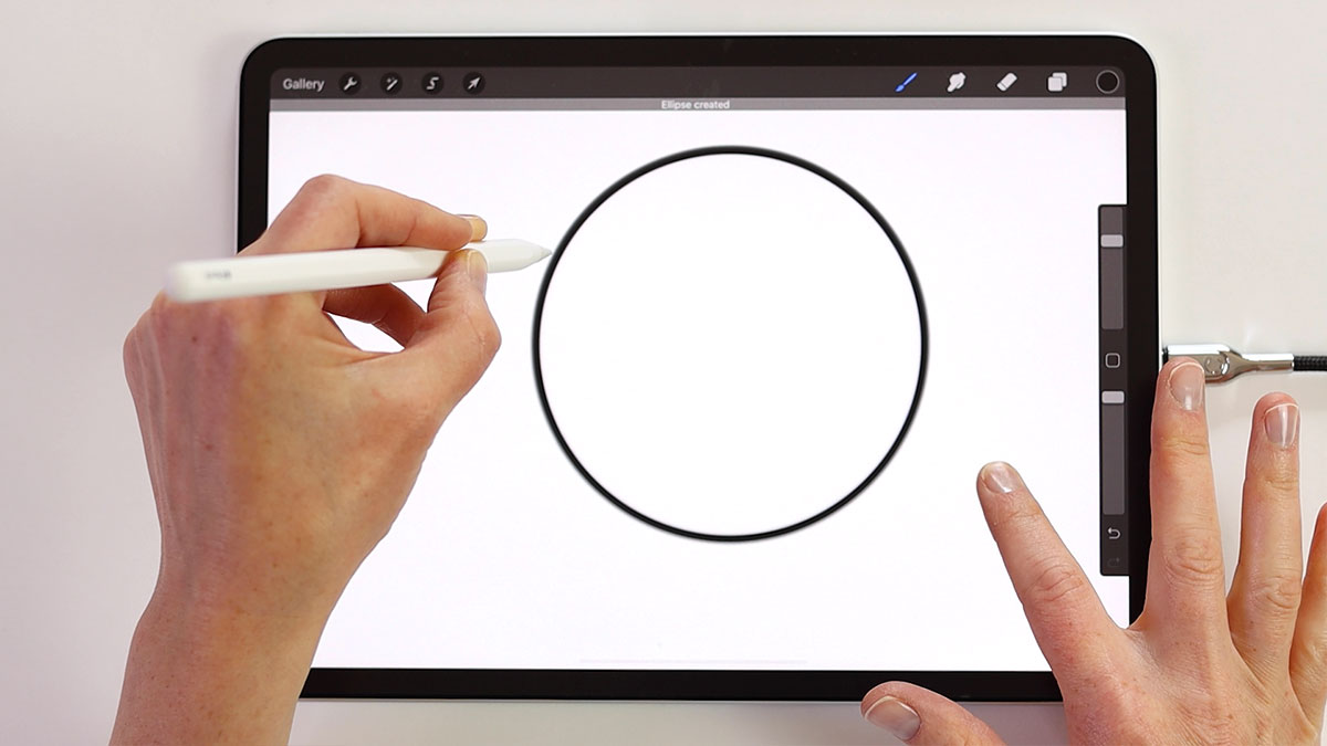Draw smooth lines and circles by using the quickshape feature